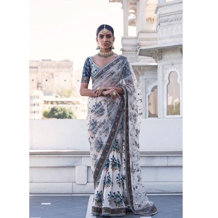 Sabyasachi Mukherjee's jaw-dropping Spring 2017 collections | Tikli - Saree Trends, Fashion, Brands, Reviews and More
