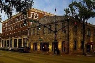 Staybridge Suites Savannah Historic District Hotel - http://usa-mega.com/staybridge-suites-savannah-historic-district-hotel/