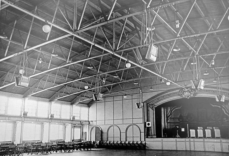 Hastings pier ballroom- where all the live bands played.