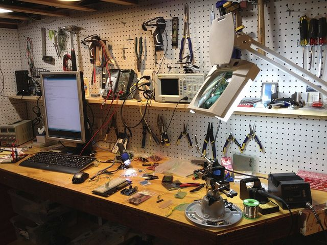 best 25 electronic workbench ideas on pinterest workbench height workbench legs and. Black Bedroom Furniture Sets. Home Design Ideas