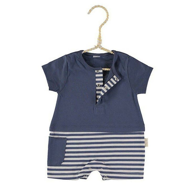 Peleles muy suaves y fresquitos de @petitohbarcelona   indispensables. Azul rojo verde y amarillo.  #nins #ninsmanresa #pictureoftheday #bestoftheday #cotton #pimacotton #petitohbarcelona #ss17 #newcollection #modainfantil #moda #shop #shoponline #kidswear #babieswear #cute #quality #ootd #ootdkids #gorgeous #goodmorning #blue #stripes #fashion #ootd #ootdkids