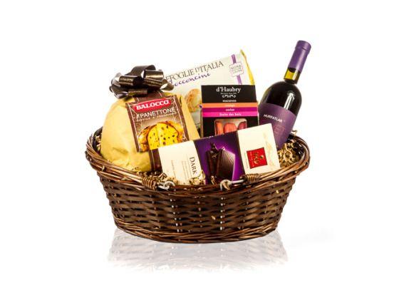 Cos cadou pentru Craciun cu vin