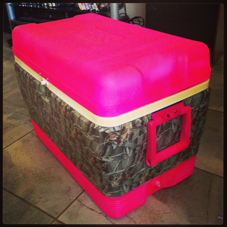 Pink camo ice chest