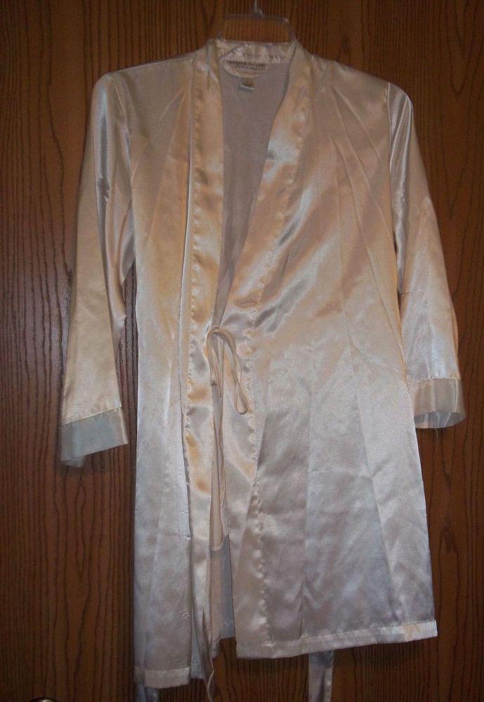 Womens Robe Morgan Taylor Intimates White Size Small #MorganTaylor #Robes