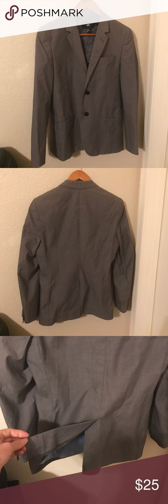 Men's Casual Suit Jacket Men's casual suit jacket. Partially lined. 2 inside pockets & 3 outside pockets. 2 buttons in front. Center opening in back. 4 buttons each sleeve. Grayish brown color broadcloth type lightweight fabric. No fabric content noted that I could see. Previously worn, good condition. H&M Suits & Blazers Sport Coats & Blazers