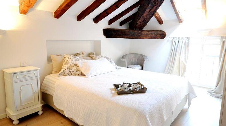 Romantic bedroom in Menaggio,  Lake Como (Italy)