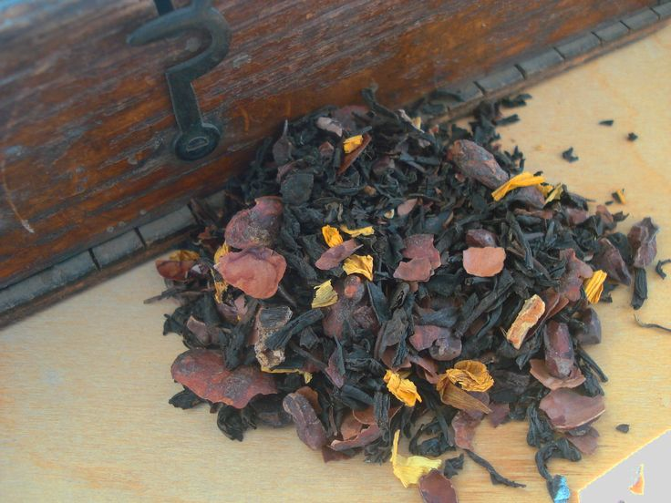 Chocolate Tea, a whole leaf tea, blended with Cocoa Husks and Nibs.