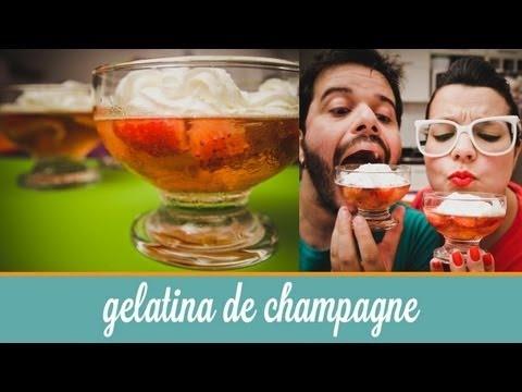 Cozinha para 2 : Gelatina de champagne com morangos e chantilly