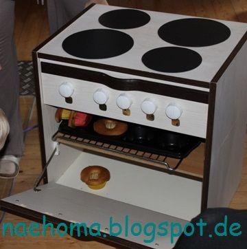 Kinderherd aus Nachttisch und vielen Details / Children's stove made of bedside locker and many more details