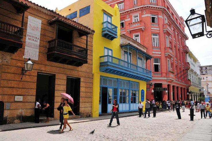 Durante la década de los 90 del siglo XX comienza el rescate del ambiente histórico de la Habana Vieja, impulsado por la oficina del historiador de la ciudad, que había dejado los edificios y monumentos sin mantenimiento por más de cuarenta años
