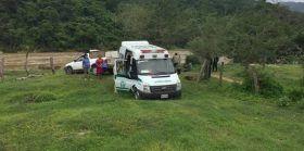 Ambulancia del IMSS salva la vida a mujer que atravesó el río verde en canoa rustica