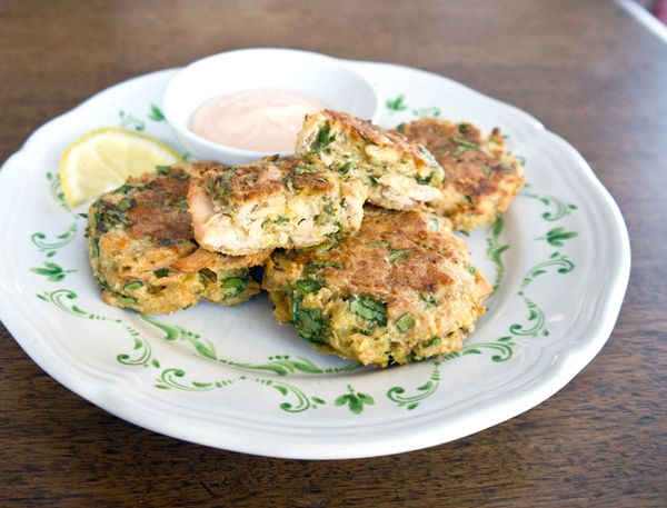 Tuna-cakes! Substitute bread crumbs for a gluten free version and use light cheese