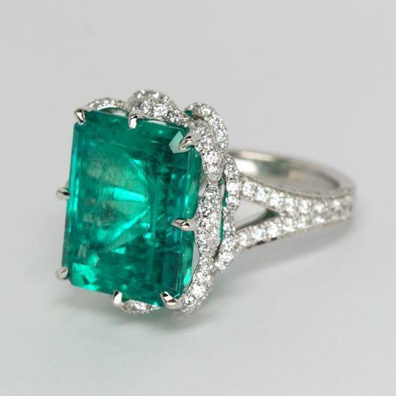 Emerald and Platinum...perfect ! #emerald