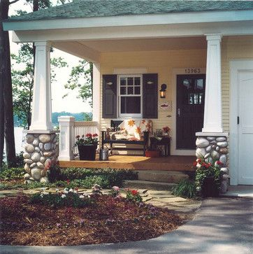 I love the arts & craft feel of this porch