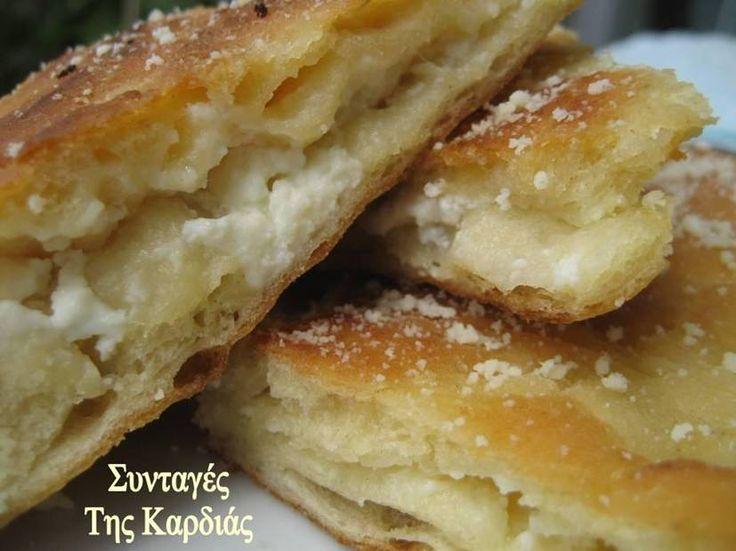 Το τηγανόψωμο είναι μια κλασσική ευβοιώτικη νοστιμιά!!!  Θα το βρείτε σχεδόν σε όλα τα ταβερνάκια στην Εύβοια, όπου μην διστάσετε να το παρα...