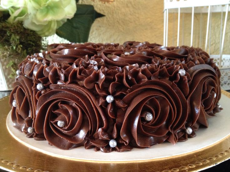 Exquisito, fino y original pastel de Bailey's relleno de Mousse de Bailey's para 18/20 personas 600 pesos