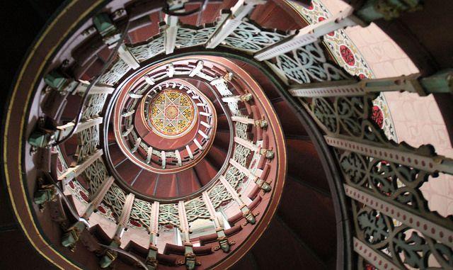 Château Abbadia, Hendaye, Pays Basque, France: Escalier intérieur circulaire, circular internal staircase, Kreisförmige Innentreppe, Escaler...