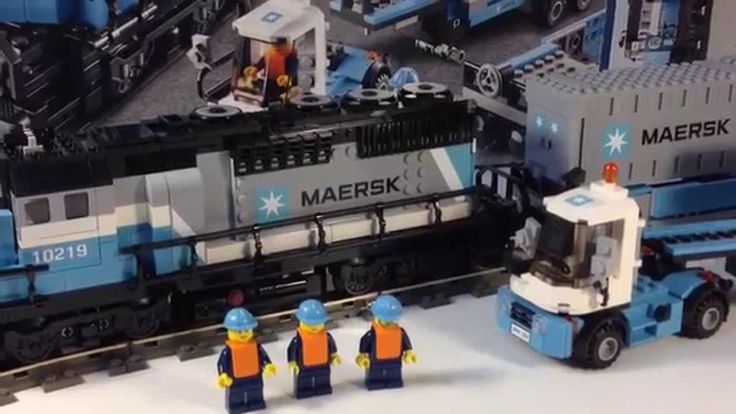 Lego 10219 Maersk Container Train - Intermodal Trains One of the best LEGO train sets!