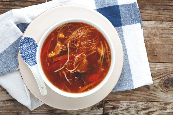 """Probiert unsere vegane Peking-Suppe aus unserem Buch """"Vegan Kann Jeder!"""". Profane Vorspeise beim Chinesen? Von wegen!"""