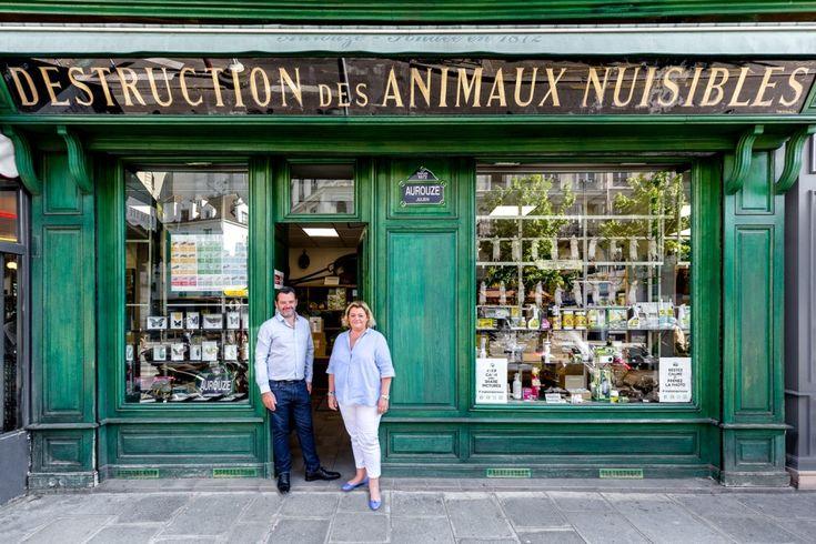 Parigi raccontata attraverso le facciate dei suoi negozi   Collater.al