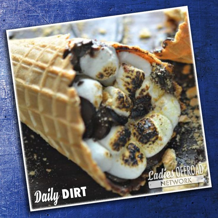 Campfire Cones - Daily Dirt Click for recipe or join the Ladies Offroad Network for more outdoor goodies. #smores #campfire #camping #campinghacks #campvibes #ladiesoffroadnetwork #offroadladies #offroadhacks #outdoors #glamping #dessert #dessertrecipes #cooking #sweets