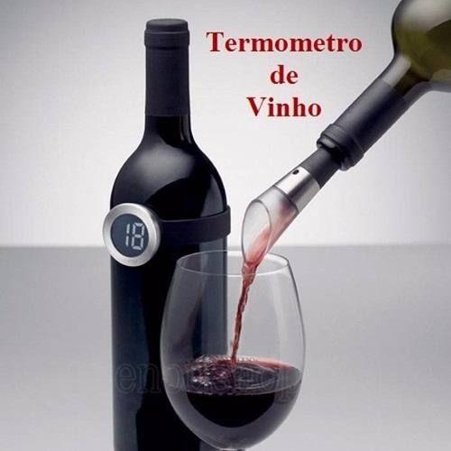 O verdadeiro sabor do vinho na temperatura ideal. Se encaixa em garrafas de 67 a 80 cm de diametro. Possui visor LCD simples de usar. Basta encaixar ao redor da garrafa e o sensor é ativado. Feito de plástico durável com espelho de aço inoxidável. Acompanha tabela de temperatura de vinhos.