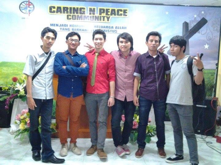 foto dulu sebelum check sound in GKMI Surabaya ( HUT 30 thn )