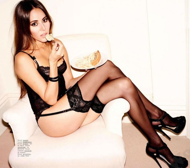 JessicaMichibata Esquire UK March 2013 Women To Die For