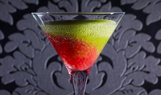 Mixología molecular:    Mi afición por la cocina, y mis conocimientos en química, me han permitido ser una gran autodidacta en el mundo de los cocktails gourmet.