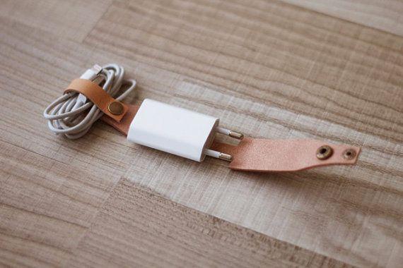 Kabelhalter mit Stecker Kabelbinder von AOBusinessentials auf Etsy