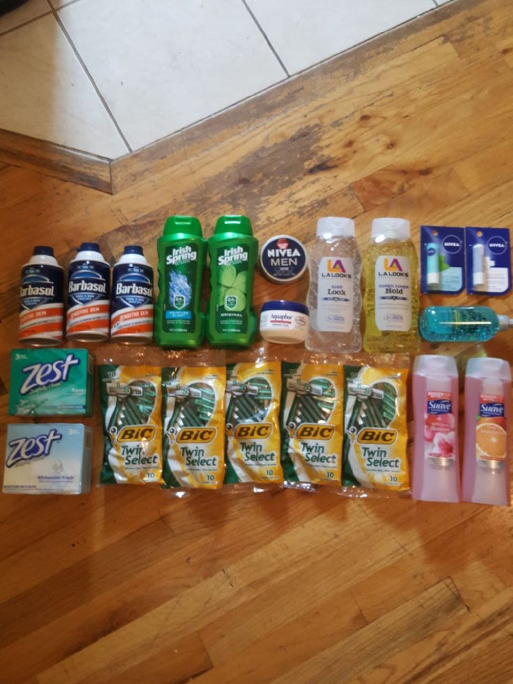 READ PROFILE READ FULL DESCRIPTION SMOKE FREE PET FREE HOME ♡NO HOLDS ♡NO FREE SHIPPING ♡NOT SUBSTITUTING FROM OTHER BUNDLES ♡MAKE OFFERS THROUGH THE OFFER BUTTON. TIRED OF TIME WASTERS. 3 BARBASOL SHAVING CREAM 2 IRISH SPRING BODY WASH 1 NIVEA MEN LOTION 1 AQUAPHOR HEALING OINTMENT 2 L.A. LOOKS HAIR GELS 2 NIVEA CHAPSTICK 1 SCHWARZKOPF GEL 2 SUAVE BODY WASHES 5 BIC DISPOSABLE RAZORS [10 RAZORS EA.] 2 ZEST SOAP BARS [3 BARS EACH] 21 ITEMS TOTAL ALL BRAND NEW AND SEALED NOTHI...