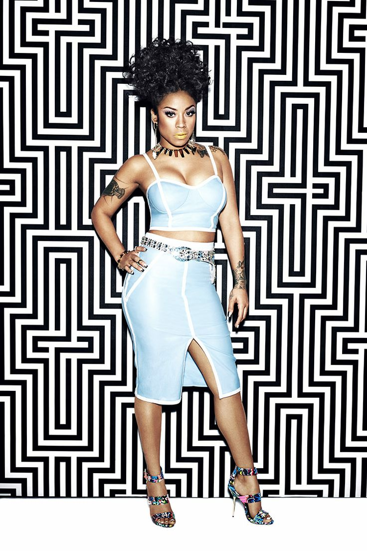 Steve Madden has once again teamed up with singer/songwriter Keyshia Cole to design a new limited edition shoe collection! #SMxKeyshia