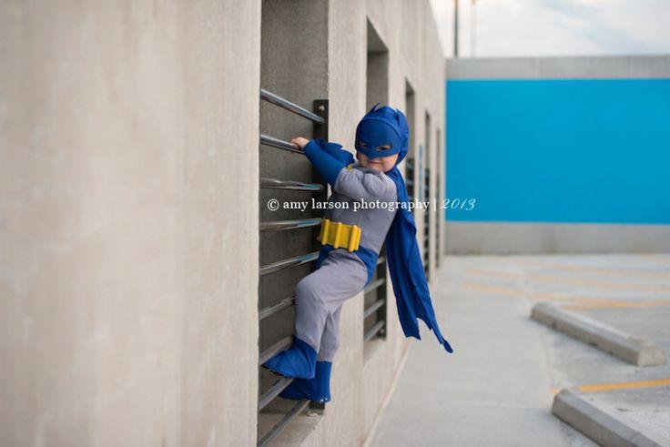 Amy Larson Photography www.amylarson.com knoxville-children-photographer-amy-larson-photography-superhero-mini-sessions-batman