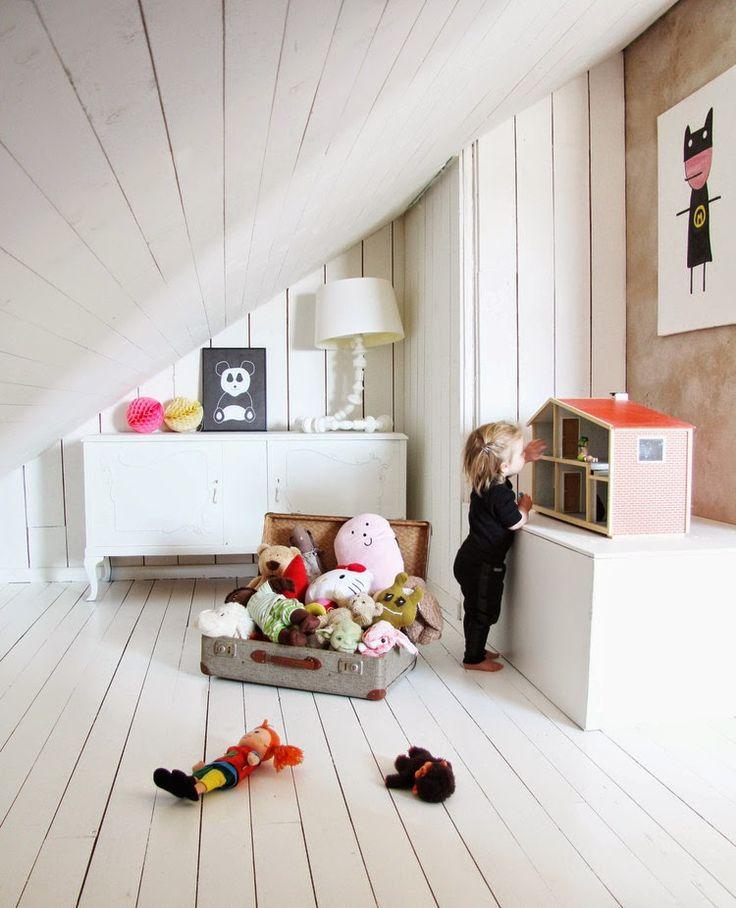 Della's delightful room. Miniwilla.