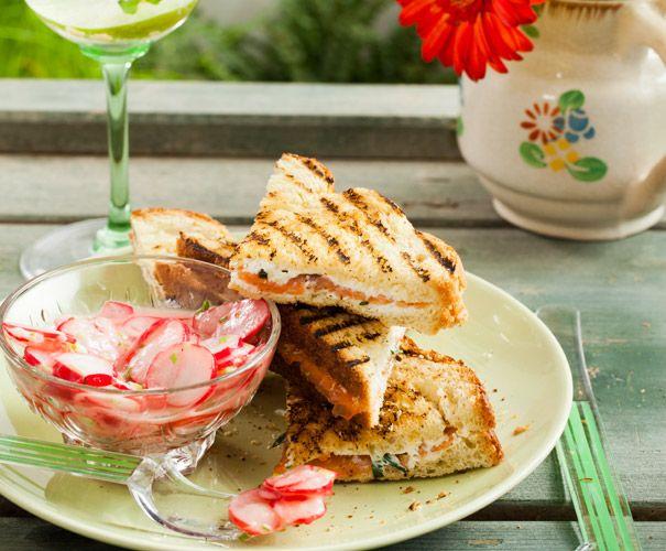 Recept: Zalmtosti met radijssalade   Gezond eten