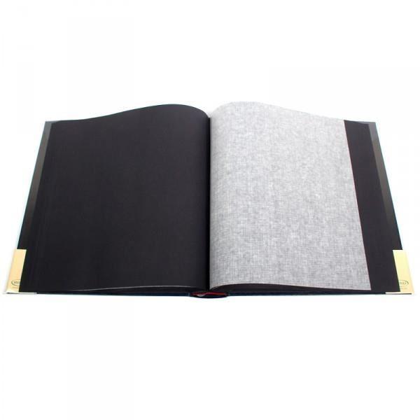 Album photo Traditionnel en Simili Cuir Bordeaux.  100 pages noires + feuillet cristal pour protéger les photos.  Grande capacité pour 500 photos 10x15 cm.  Les images sont