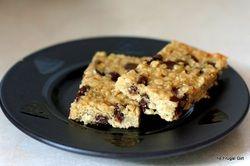 No-Bake Chocolate Chip Ganja Granola Bars - Marijuana Recipes