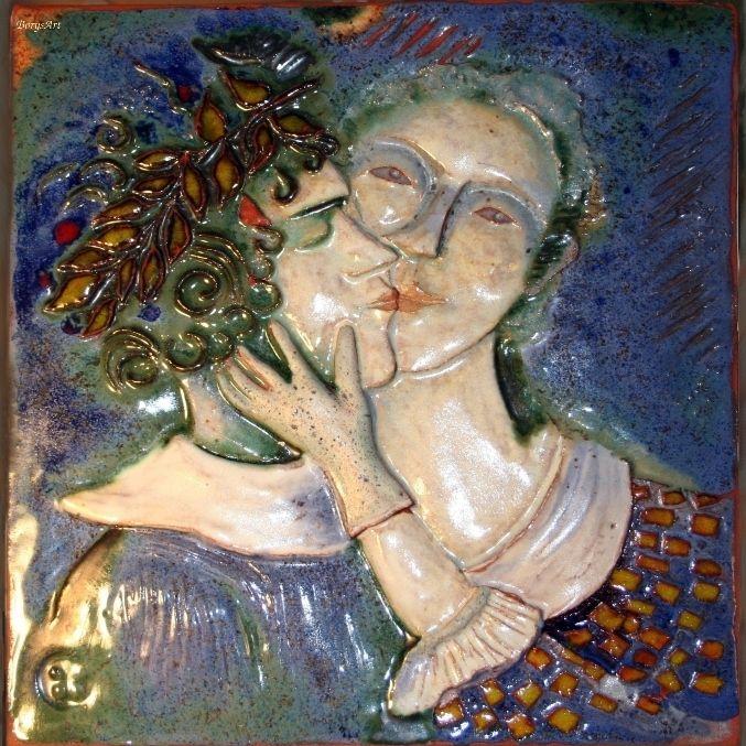 POCAŁUNEK obraz ceramiczny, majolika  Danuta Rożnowska-Borys
