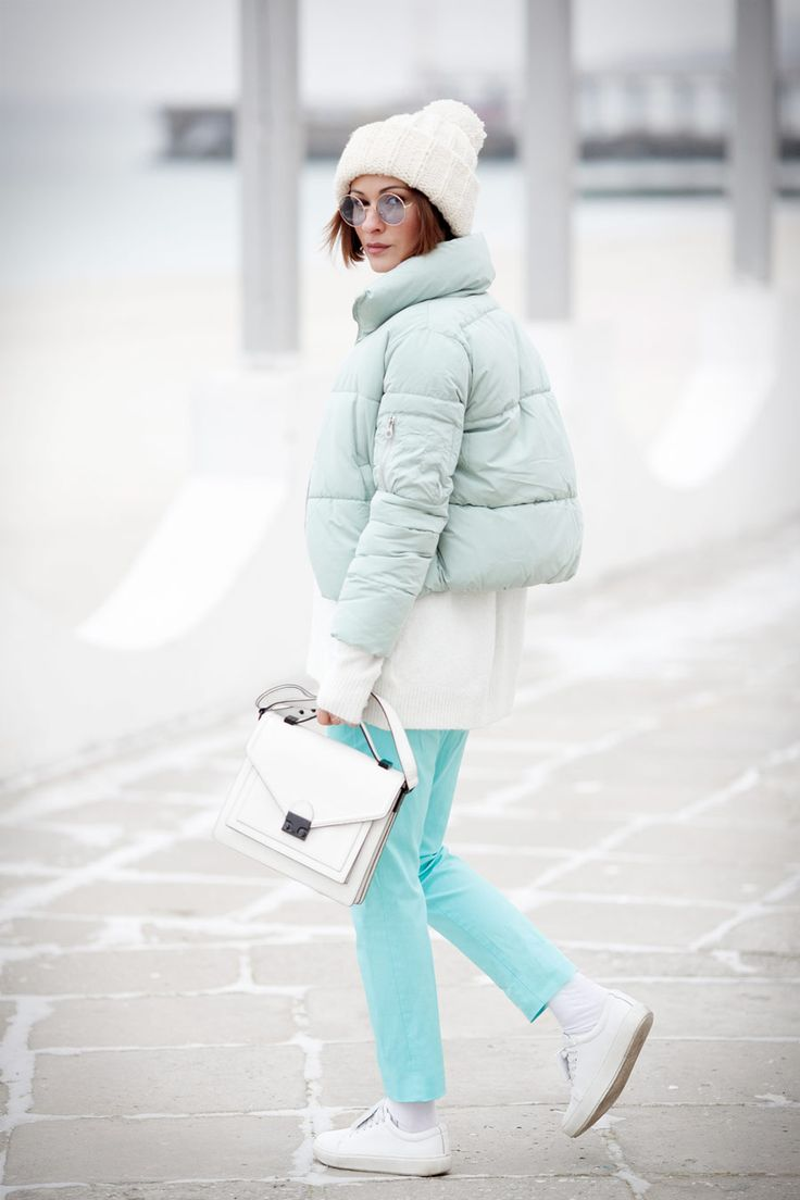 puffer jacket, down jacket, puff jacket, mint outfit, how to wear mint color in fashion, sneakers outfits, winter outfits, cold weather outfits,