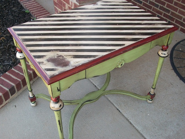 i love this library table redo: Paintings Furniture, Furniture Inspiration, Decor Ideas, Furniture Makeovers, Paintings Ideas, Libraries Tables, Furniture Paintings, Projects Parade, Furniture Ideas