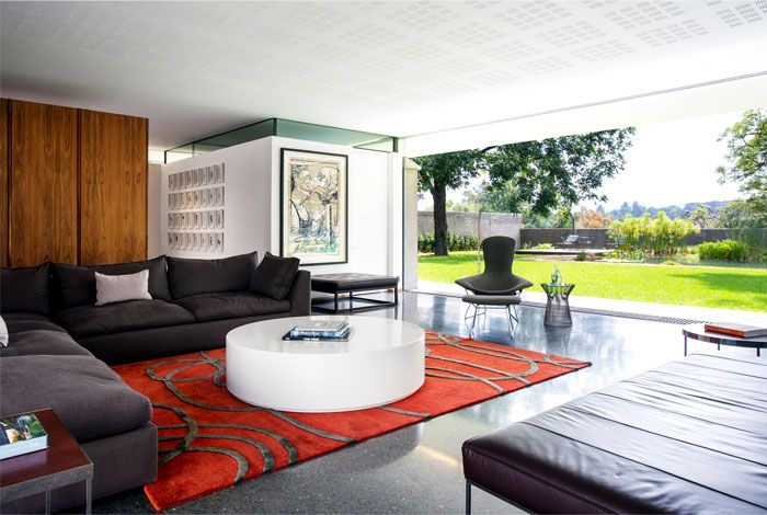 Sunny Example of Australian House Design - InteriorZine