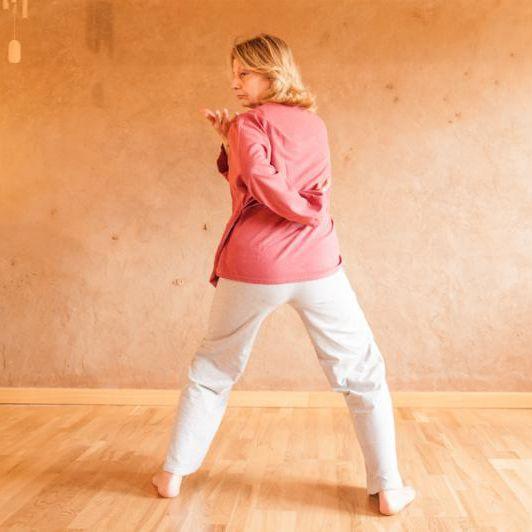 #sabato 21 febbraio prenditi cura della tua #schiena con il #qigong e una sequenza per prevenire il #maldischiena www.spazioaries.it