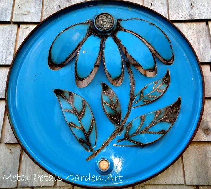 METAL PETALS GARDEN ART | St.Peters Just so many wonderful metal flowers, birds, moose and and and ... jcmetalpetals@hotmail.com
