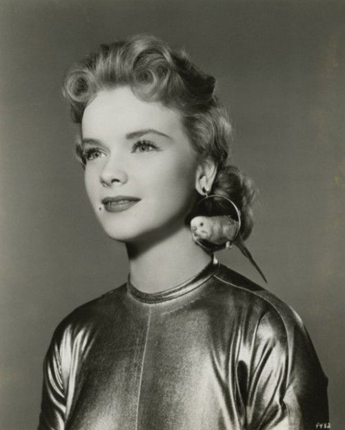 Anne Francis publicity still for'Forbidden Planet', 1956. Love her accessorizing.