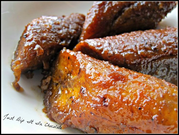 Hola Amigos: Today I'm sharing with you an easy recipe to prepare Plantains! I can't get tired of this delicious and versatile fruit! No m...
