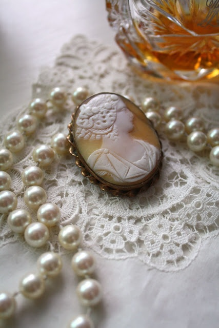 Cameo & Pearls