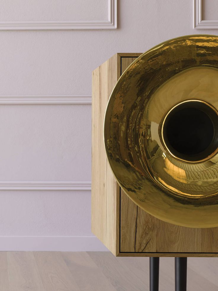 Best Bluetooth Music Cabinet With Trumpet Shaped Speaker 640 x 480