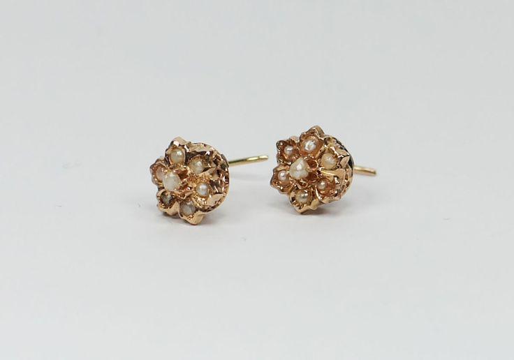 Antieke gouden oorknopjes met pareltjes