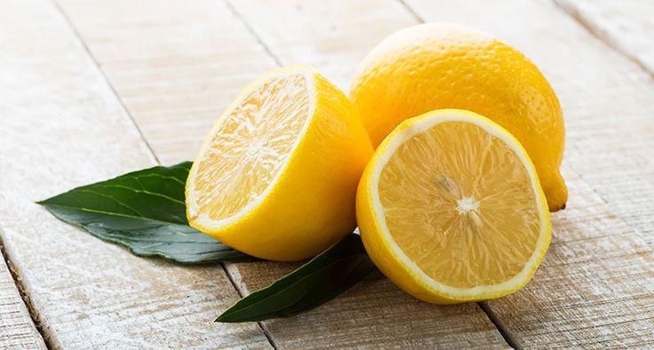 Voňavé BIO citróny na stole