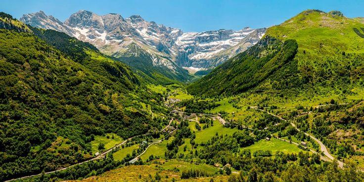 Si le tableau que nous offre le Massif Alpin nous pousse à gravir la montagne, alors préservons le http://www.blog-habitat-durable.com/si-le-tableau-que-nous-offre-le-massif-alpin-nous-pousse-a-gravir-la-montagne-alors-preservons-le/
